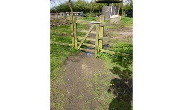 Access gate to Midland Chandlers
