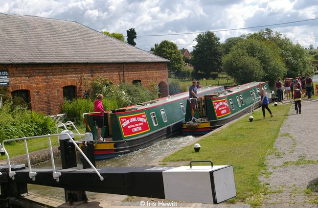 Pennine and Chiltern heading up the Braunston Flight